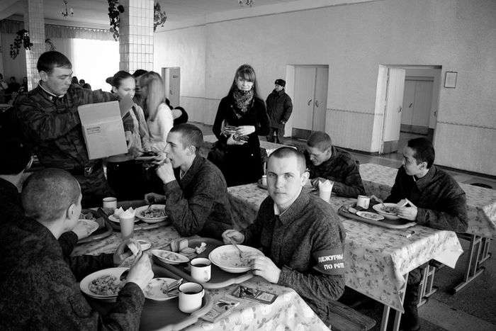 Рік життя в армії (49 фото)