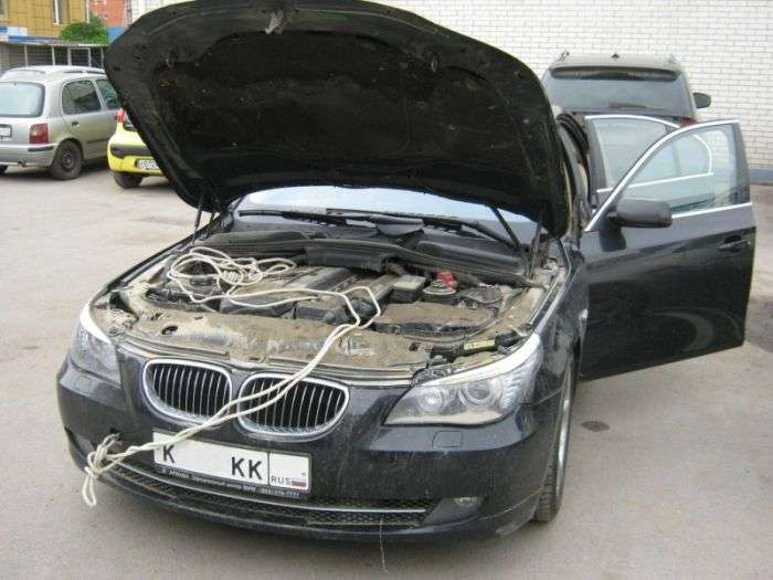 Автомобіль після повені в Кримську (3 фото)