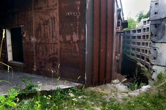 Секретний бункер головнокомандувача військ Молдови (26 фото)