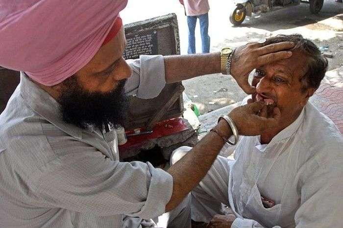 Приватні стоматологи в Індії (5 фото)