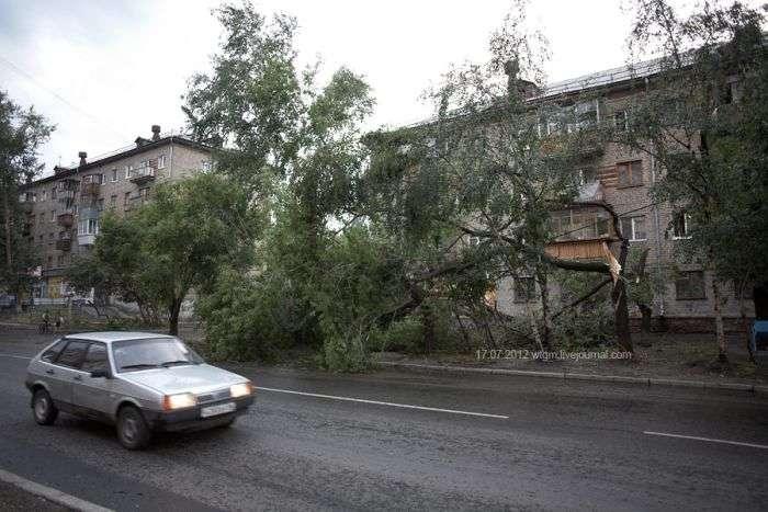 Несподіваний град в Єкатеринбурзі (8 фото)