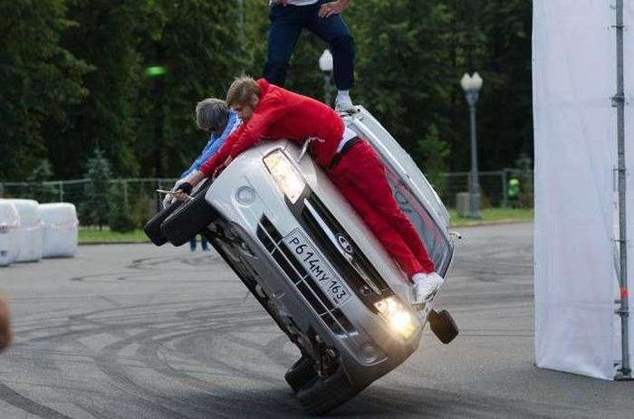 Фестиваль швидкості в Москві (15 фото)
