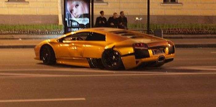 Розбите Lamborghini (3 фото)