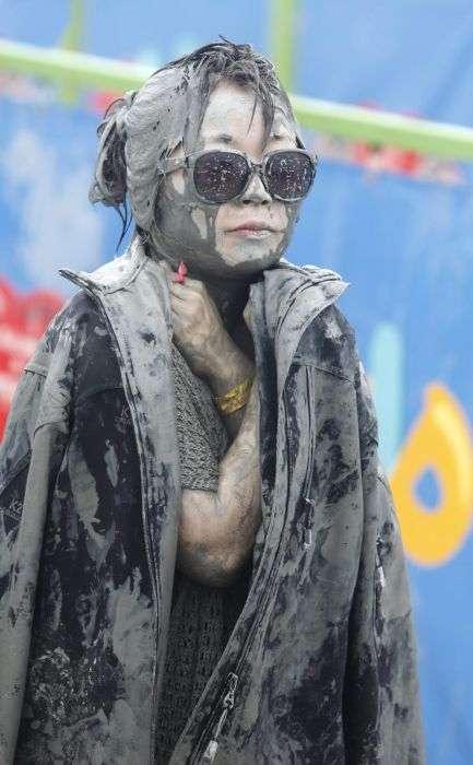 Щорічний фестиваль любителів бруду (21 фото)