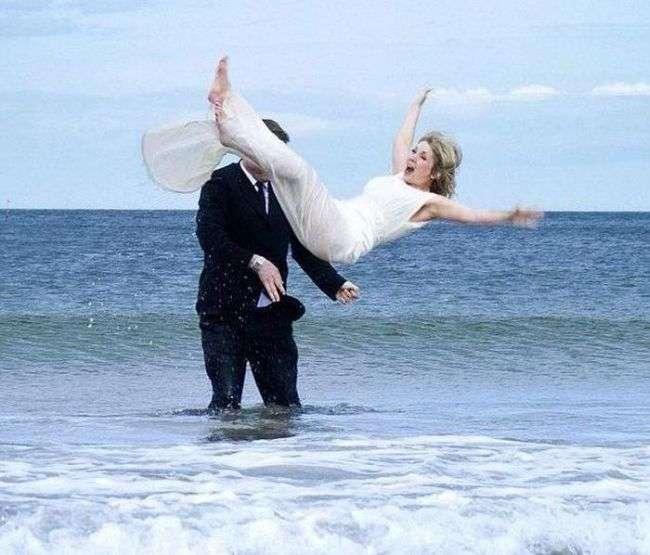 Незвичайна фотосесія з весілля (8 фото + відео)