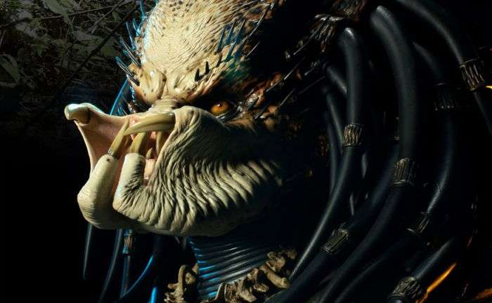 Крута саморобна скульптура Хижака з фільму (22 фото)