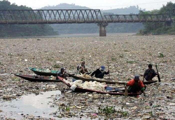 Найбрудніша річка на планеті (8 фото)