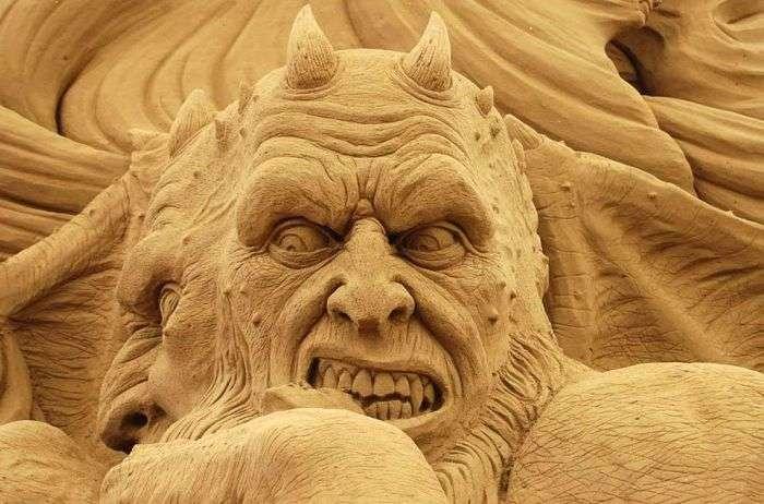 Дивовижні скульптури з піску (20 фото)