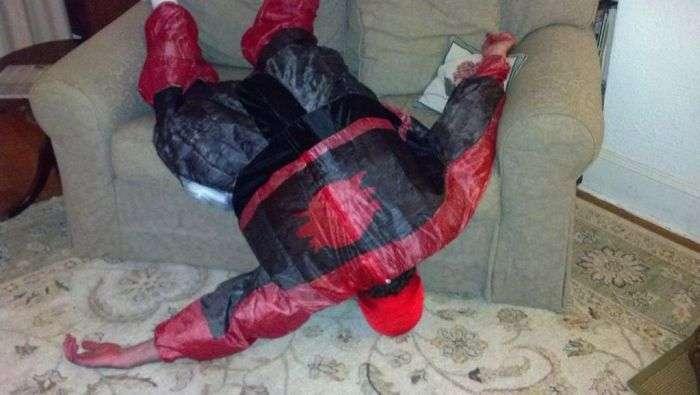 Холостятский відпочинок супергероїв (4 фото)
