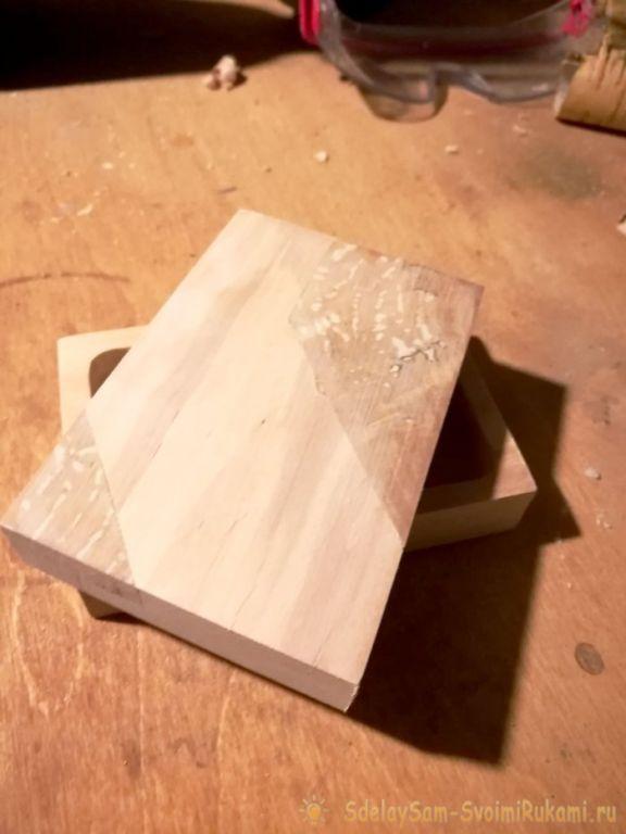 Как сделать несложную и необычную шкатулку из ольхи и капа Самоделки