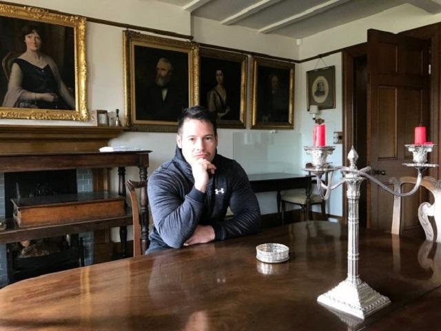 Британец доказал свое аристократическое происхождение Интересное