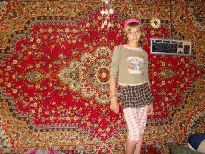 Домашние принцессы на фоне ковров Всячина