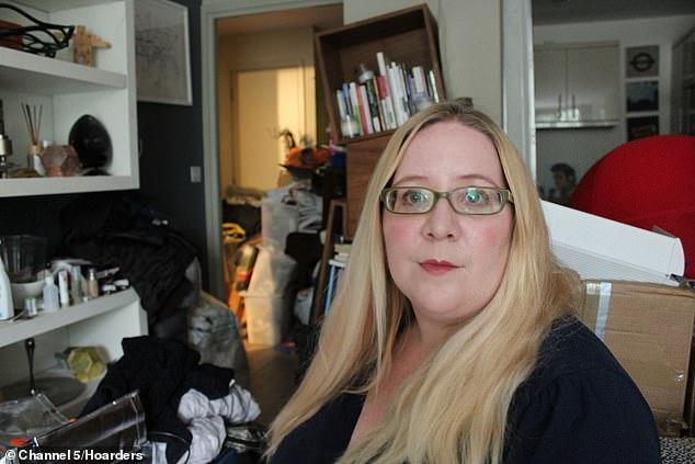 «Ад, в котором я живу»: вот во что британка-барахольщица превратила свой дом зверушки,живность,питомцы,Животные