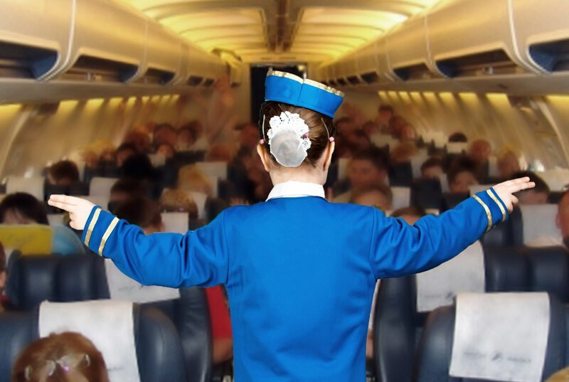 Зачем в самолете открывать шторки иллюминатора? Интересное