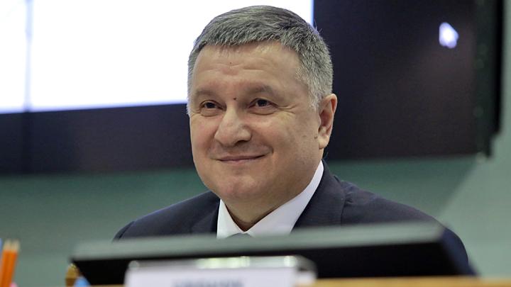 Как выжить Зеленскому до следующего срока украина