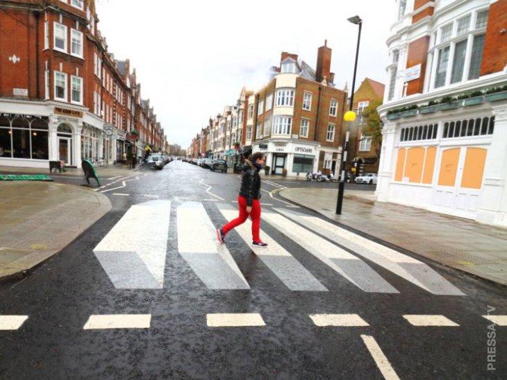 3D пешеходные переходы заставляют водителей притормаживать