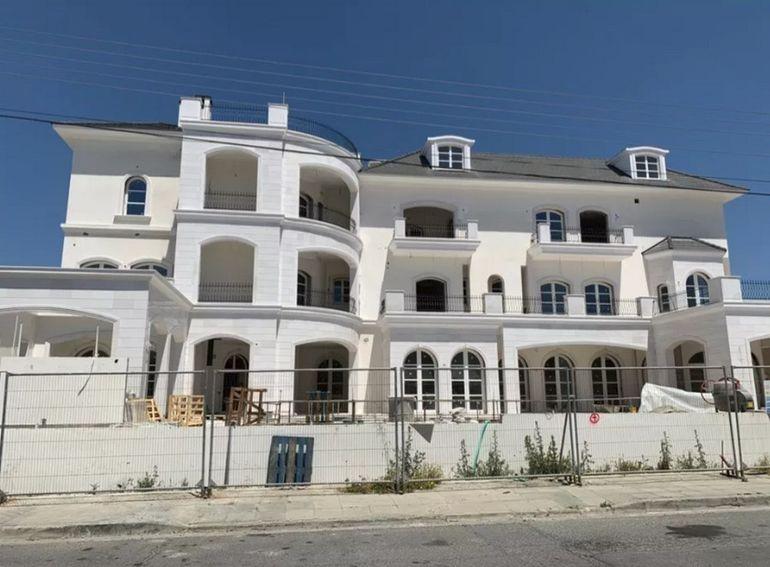 Пугачева и Галкин строят новый роскошный особняк с гаргулями, но уже на Кипре Алла Пугачева,наши звезды,новости,развлечение,шоу,шоубиz