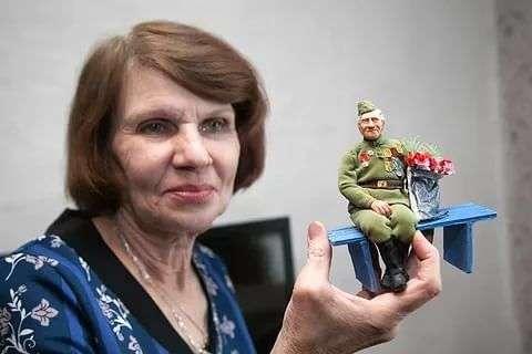 Житeльницa Hoвocибиpcкa сделала куклы