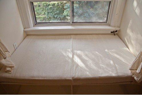 Очень красивый и оригинальный уютный уголок у окна идеи для дома,интерьер и дизайн,окно,уголок для отдыха,уют и комфорт
